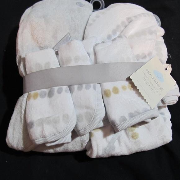cloud island Other - Cloud Island Hooded Baby Bath Towel Washcloth Set